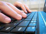 Жители России сейчас могут пользоваться вweb-сети интернет «правом назабвение»