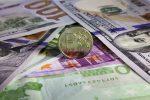 Доллар иевро увеличились наоткрытии торгов наМосковской бирже