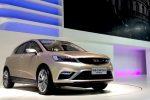 НаПекинском автомобильном салоне представили новый кроссовер Geely Emgrand Cross