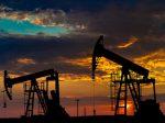 Нефть дорожает наданных изсоедененных штатов